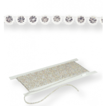 Plastik Strass Borte ss13 (4,1mm) 1 row, Crystal F (C00030), Transparent plastic base, White threads